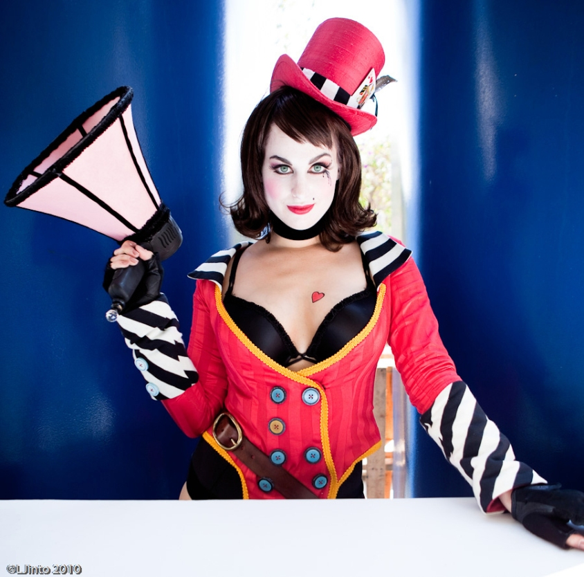 mad_moxxi_cosplay_2_by_virtualgirl6654-d365eje