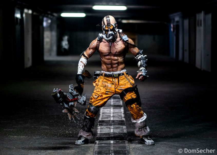 psycho_krieg_cosplay___borderlands_2_2k_2015_by_leonchirocosplayart-d8cbbqk