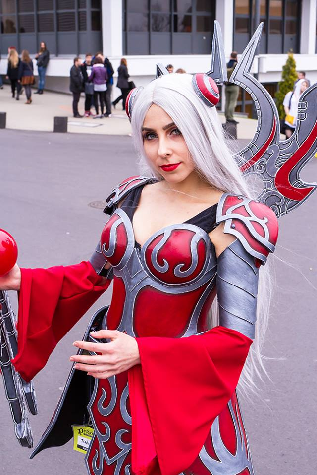 classic_irelia_cosplay_by_tsukikamachi-d9ys8b3