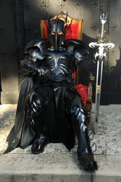 medieval_bat_man_armor_by_azmal-d4pydcc - Copy